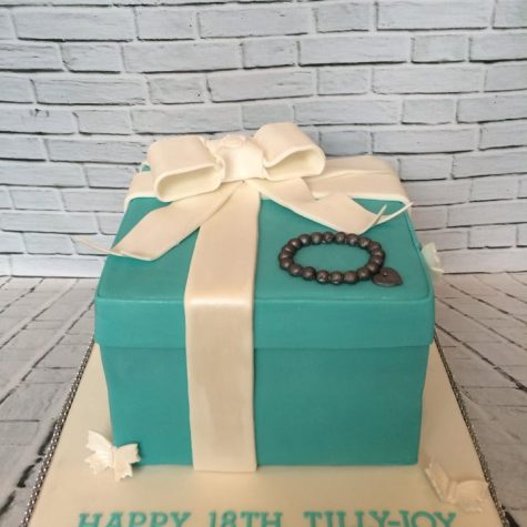 An 18th birthday Tiffany Box cake